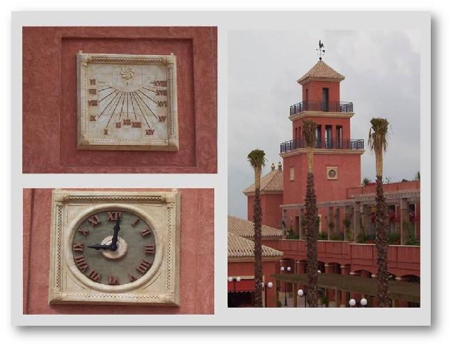 Dos relojes de gran formato para Huelva Reloj analógico y reloj de sol  Piezas escultóricas para el complejo Islantilla en Huelva  Hemos diseñado, realizado y colocado estos dos relojes en Huelva
