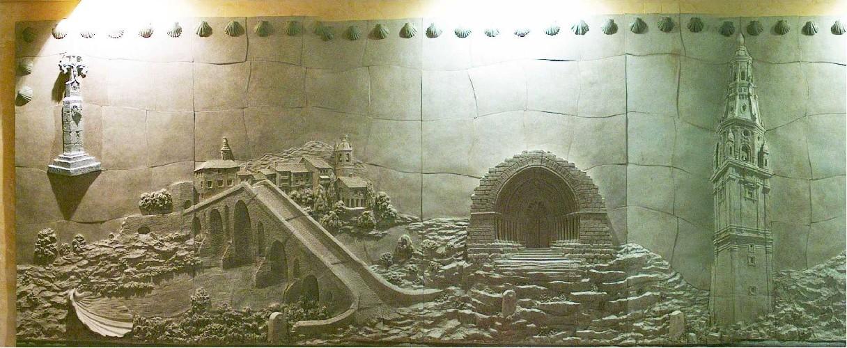Mural de 21 metros de longitud x 1,5 metros de altura - gres pétreo -